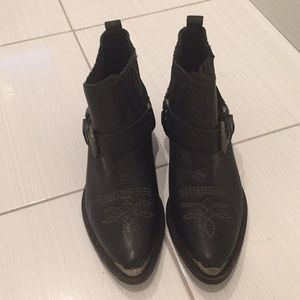 Zara woman black boots sz39